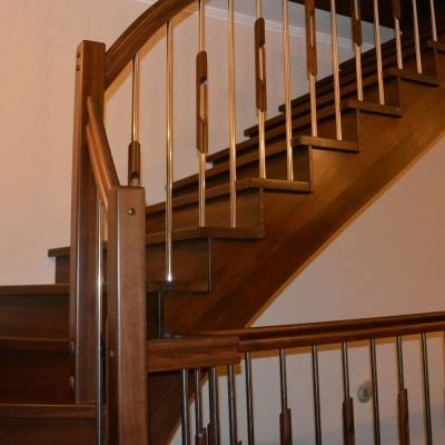 Косоурная лестница