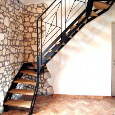 маршевая лестница на тетиве Италия Thema light
