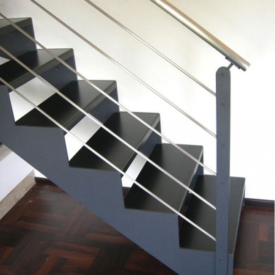 лестница на металлических косоурах Thema Classic