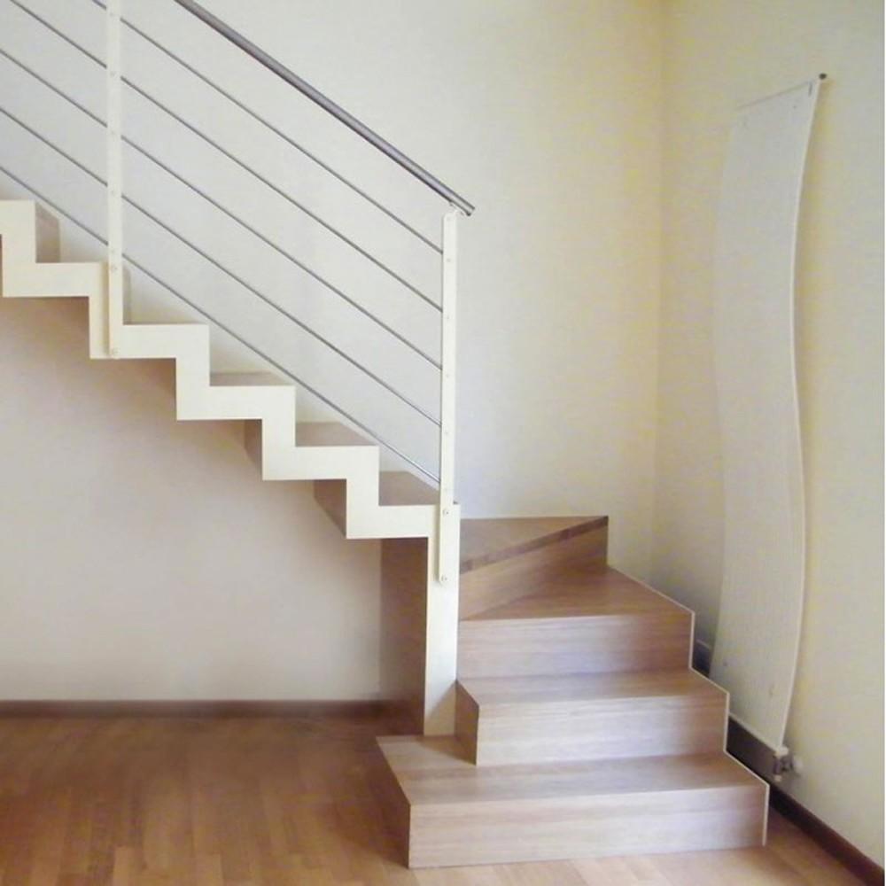 лестница на металлических косоурах с подступёнками