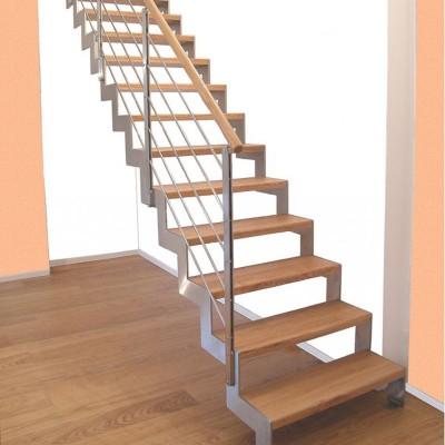 лестница на косоурах из нержавеющей стали