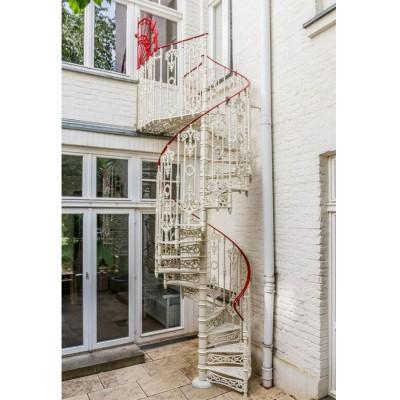 чугунная винтовая лестница  1200 мм.