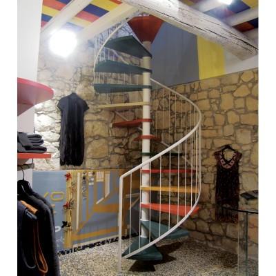 лестница с разноцветными ступенями emme-8