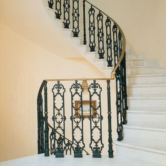 Чугунные ограждения для лестниц и балконов