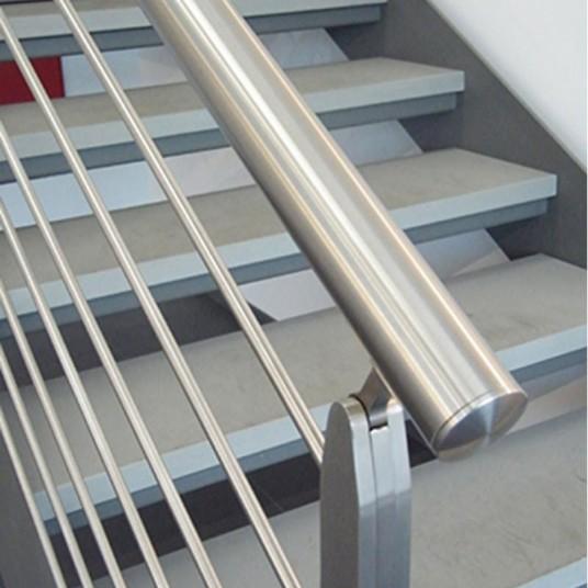 Надежные, красивые и недорогие лестницы из нержавеющей стали