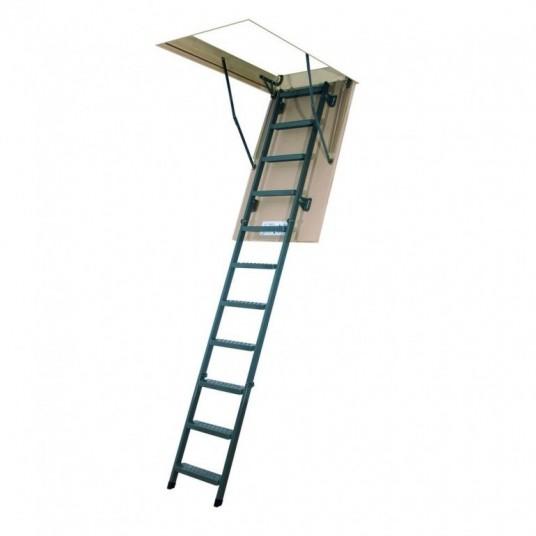 Традиционная складная лестница на чердак -
